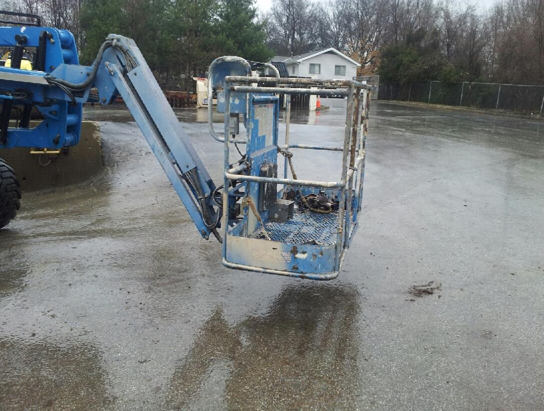 Genie Z45-25J articulating man lift for sale or rent sunflower equipment rental topeka lawrence blue springs kansas missouri