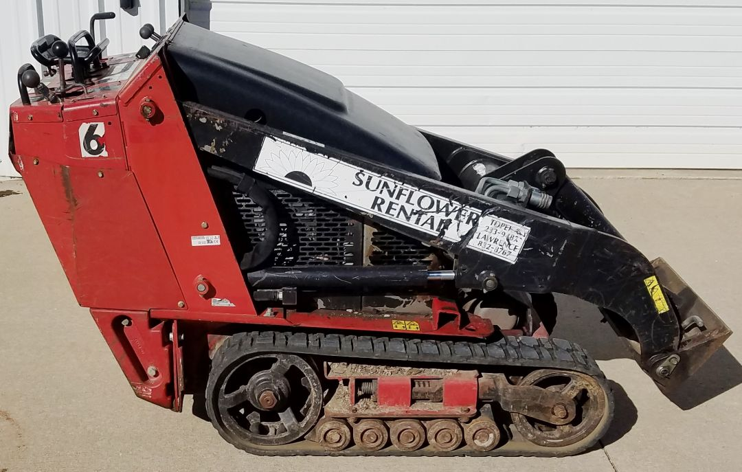 Toro dingo TX427 for sale or rent sunflower equipment rental topeka lawrence blue springs kansas missouri