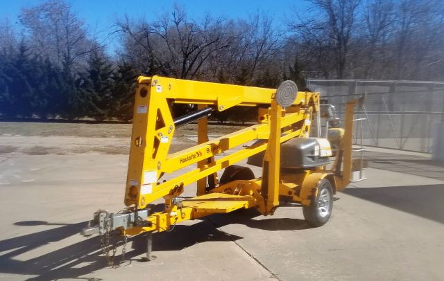 2012 Haulotte Biljax 4527A towable man lift for sale or rent sunflower rental topeka lawrence kansas bluespings missouri