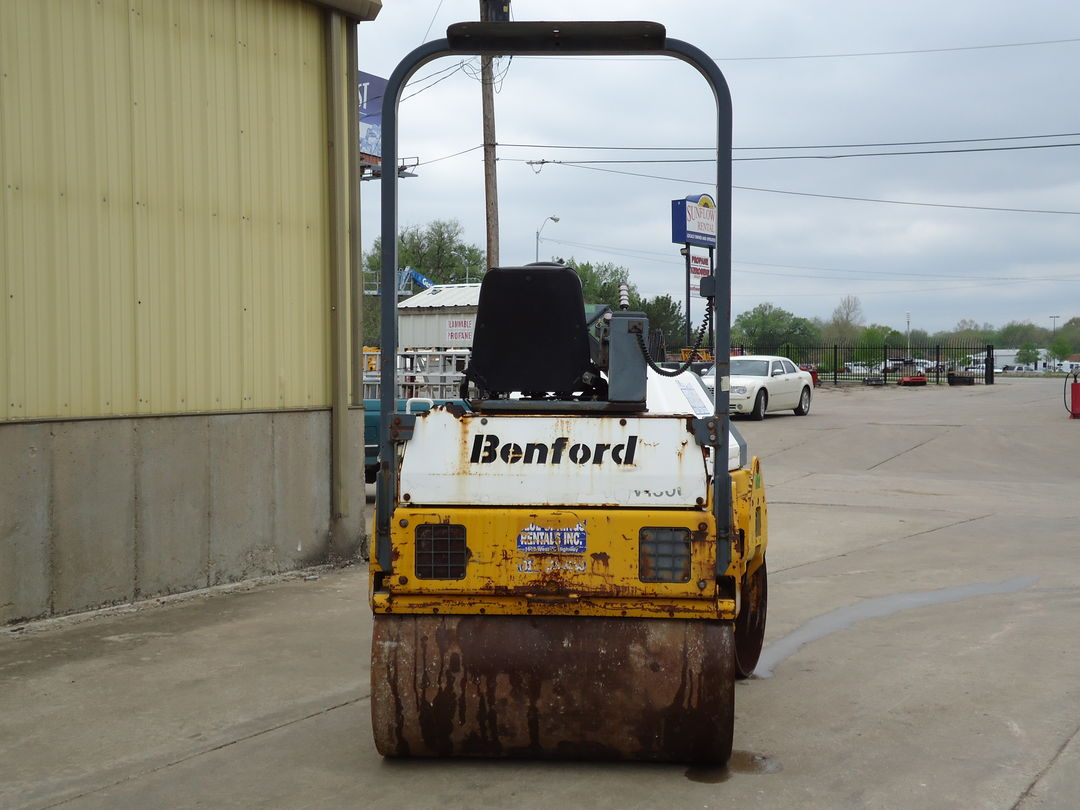 benford ride on smooth drum roller for rent or sale sunflower equipment rental topeka lawrence blue springs kansas