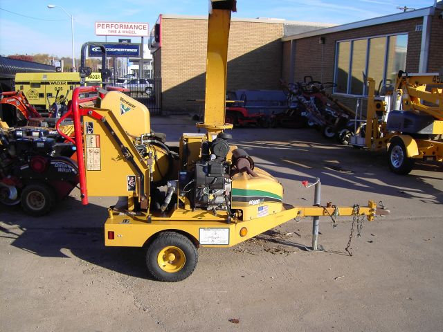 vermeer wood chipper for sale and rent sunflower equipment rental topeka lawrence blue springs kansas